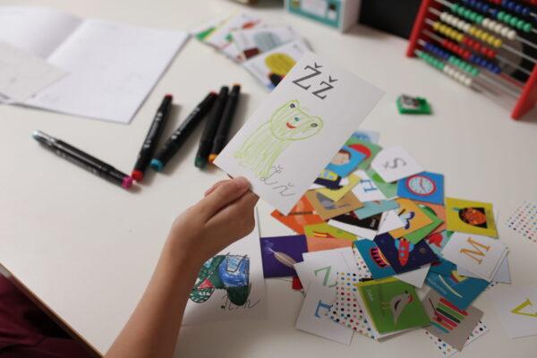 Ž jako žába, nakreslila si předškolačka pro svou vlastní abecedu.