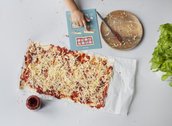 Děti vaří: Obrázkový recept na slaná lízátka. Fotot: Dora Pololáníková
